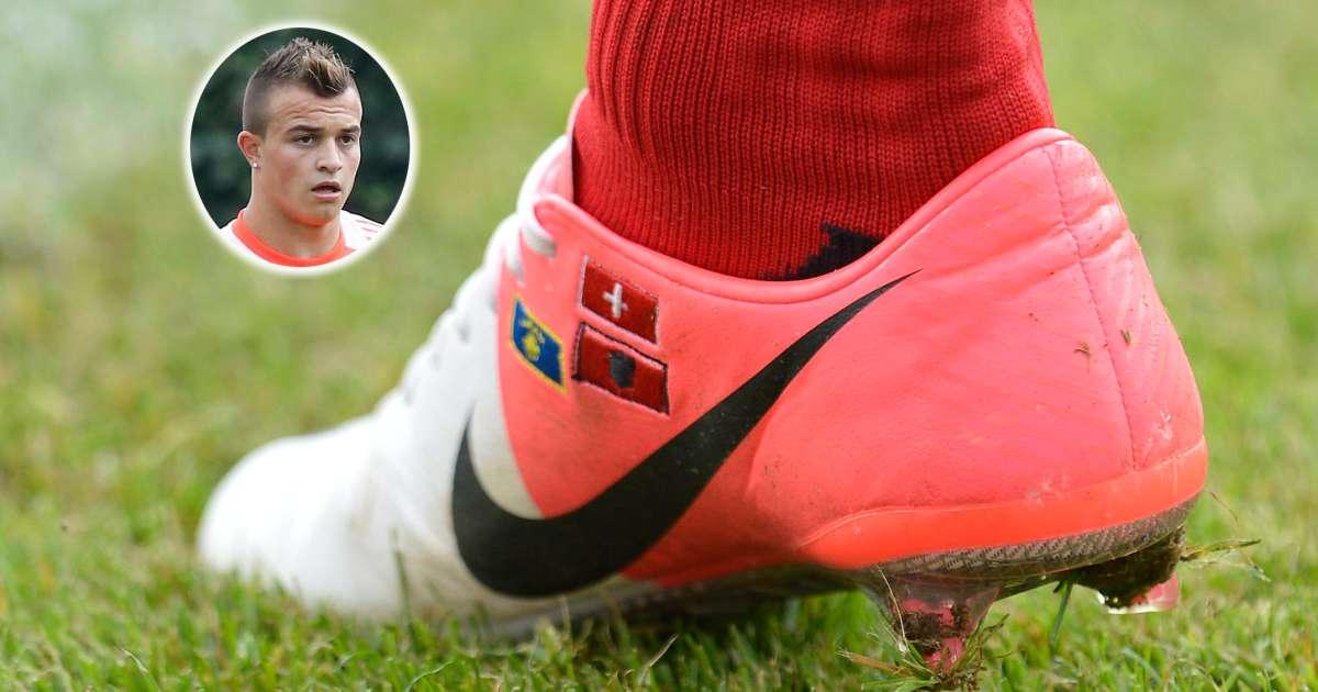Kosovarische Fußball-Schuhe die Krieg entfachenkönnen….